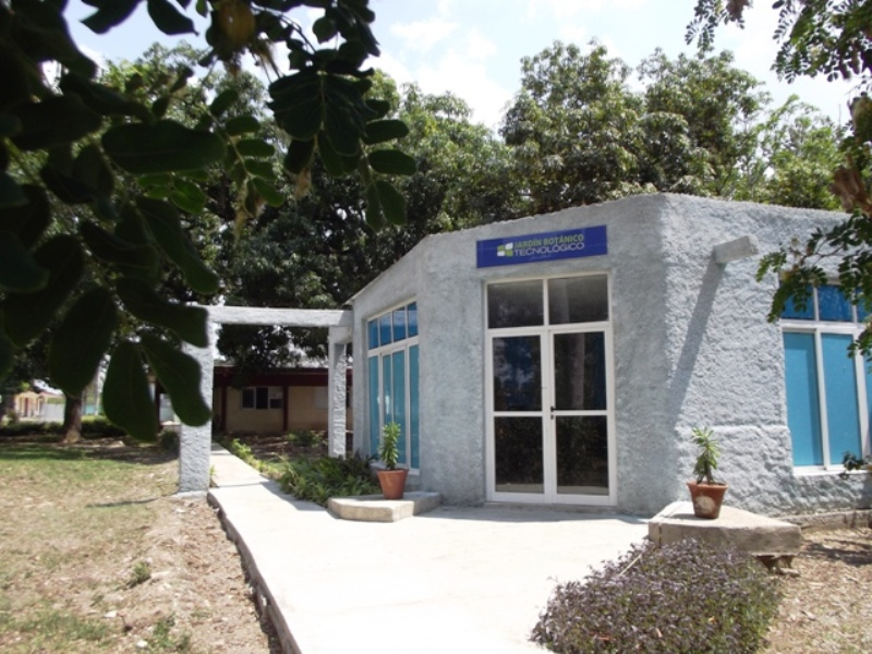 The Youth Computer Center and its 30 Years in Camagüey