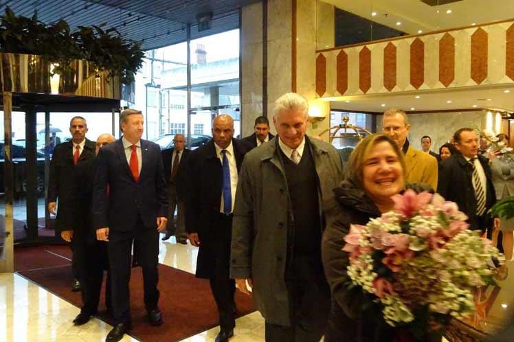 Realiza Díaz-Canel visita a Reino Unido en tránsito hacia Cuba