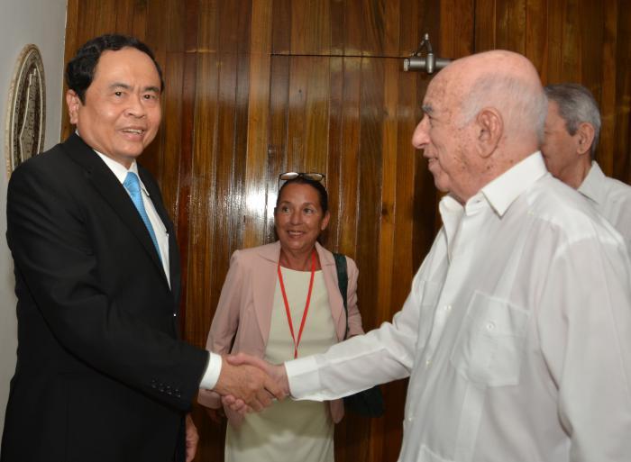 Recibe Machado Ventura a dirigente vietnamita