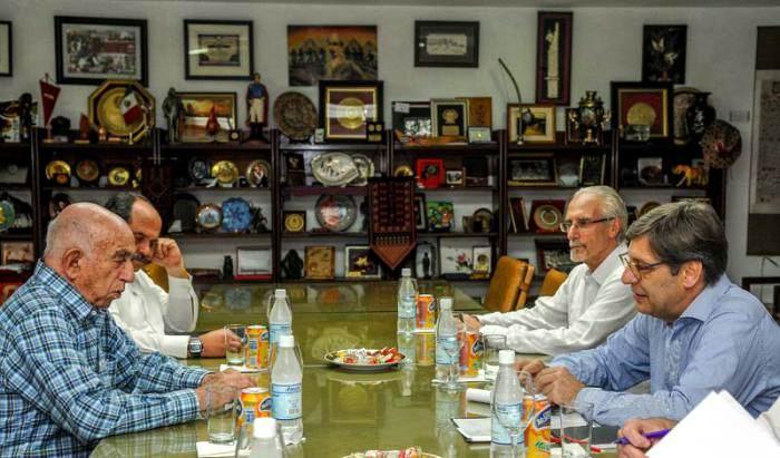 José Ramón Machado Ventura, Segundo Secretario del Comité Central del Partido, recibió en la tarde de este miércoles a Javier Miranda, presidente del Frente Amplio (FA) de Uruguay. Foto: Jose M. Correa