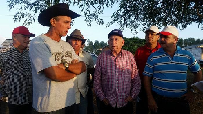 Recorre Machado Ventura aérea productivas en Pinar del Río