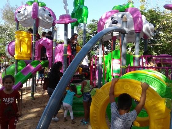 Para los niños, un moderno parque infantil en Cienfuegos