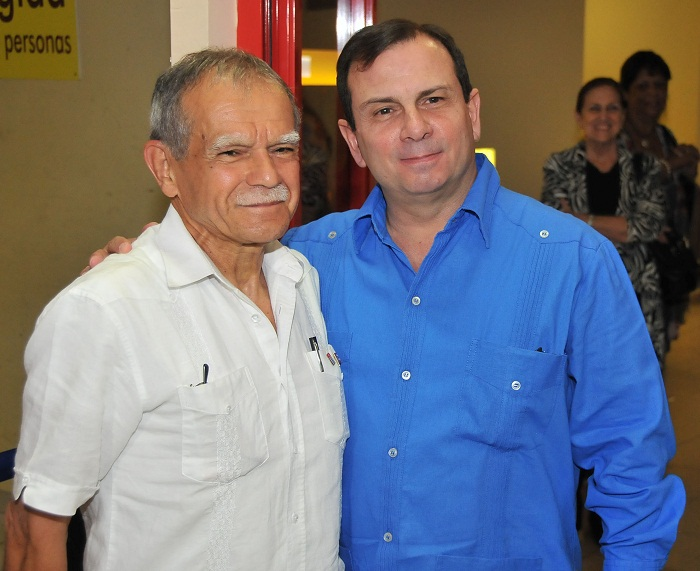 Puerto Rican independence activist Oscar López arrives in Cuba