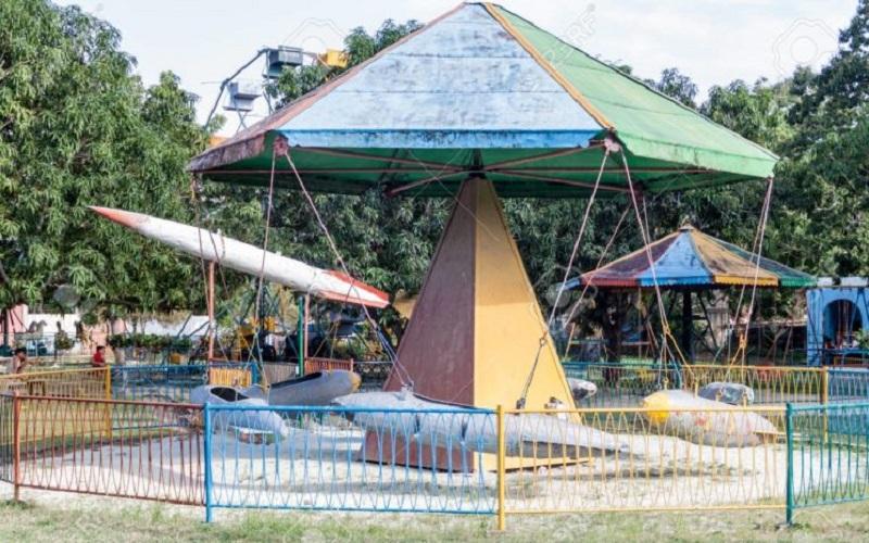 Deterioro parques infantiles