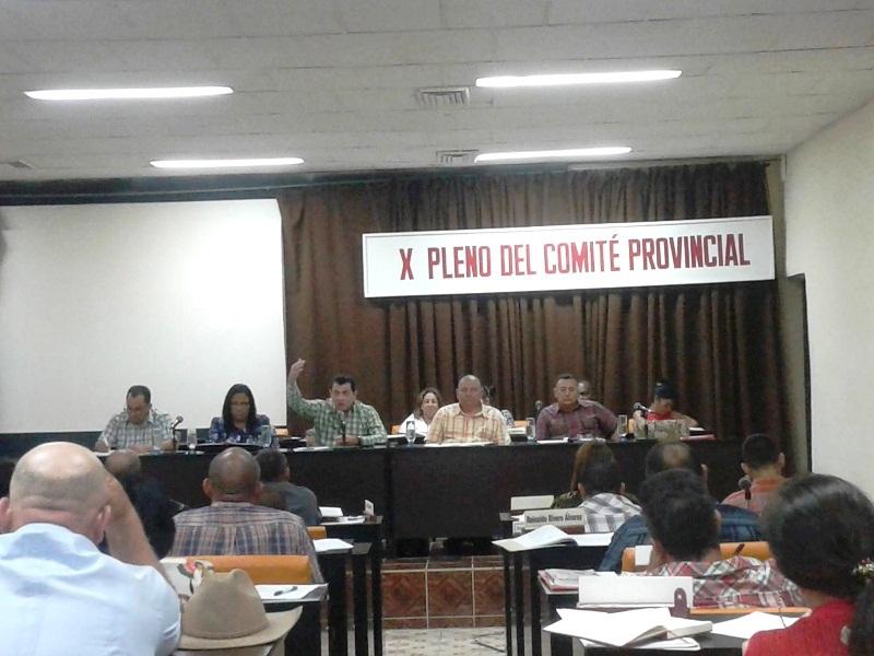 Reconocen a educadores en X Pleno del Partido en Las Tunas (+Audio)