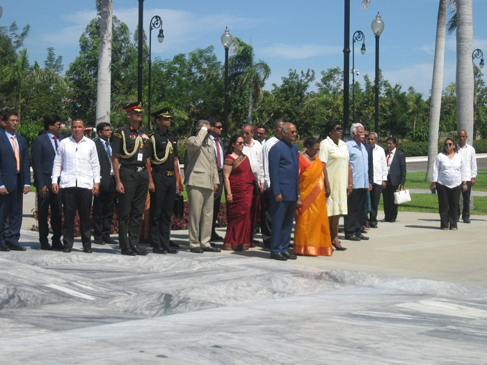 President of India on an Official Visit to Cuba Pays Tribute to Fidel