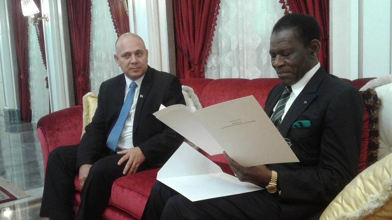 Recibe Presidente de Guinea Ecuatorial a Roberto Morales Ojeda