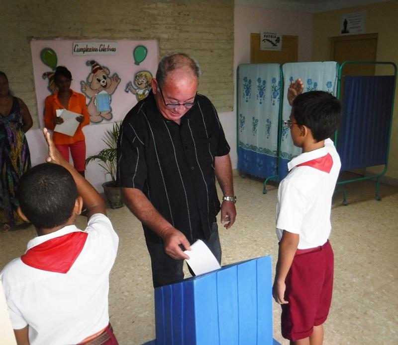 Patriótica y ordenada jornada electoral en Santiago de Cuba