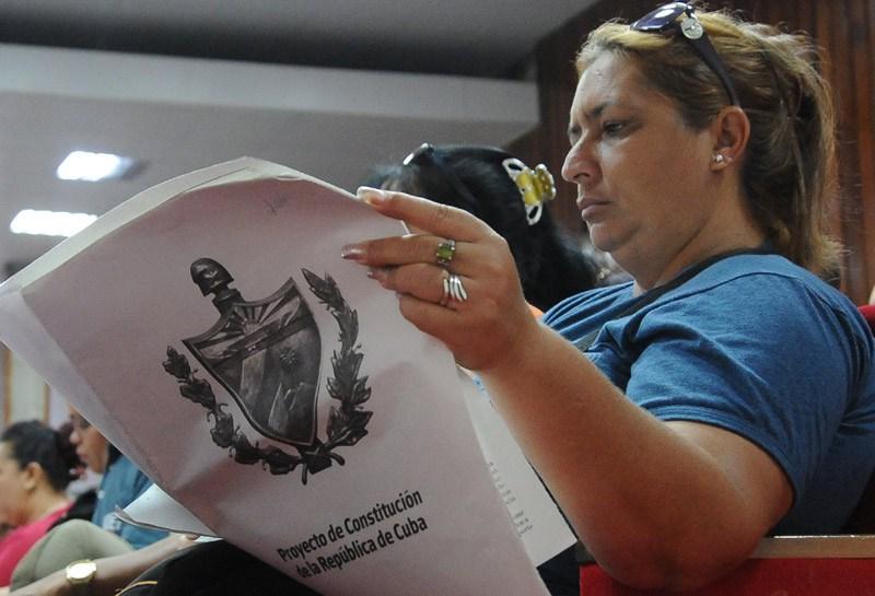 Continúan en Cuba debates sobre proyecto de nueva Constitución