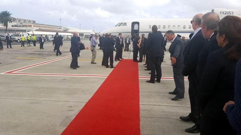 Llega Raúl Castro a Antigua para asistir a VI Cumbre CARICOM-Cuba