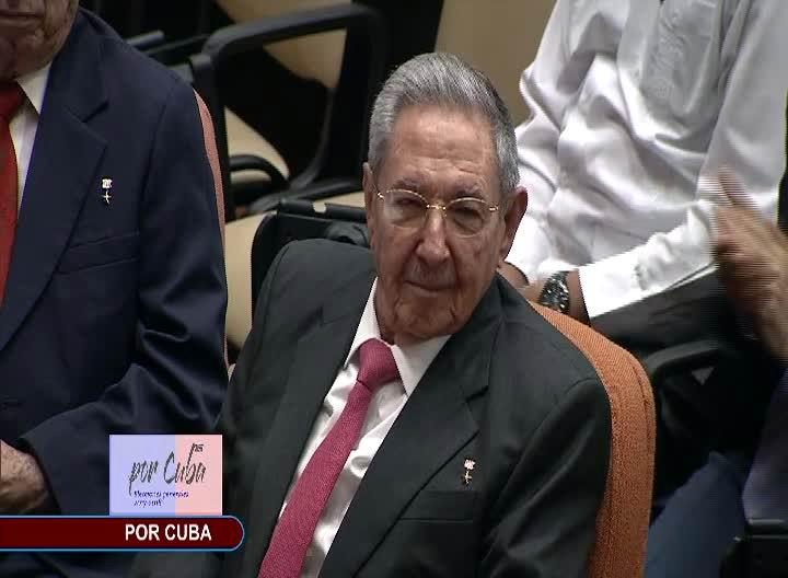 Díaz-Canel resaltó ejemplo de lucha y las enseñanzas de Fidel Castro y de Raúl Castro.