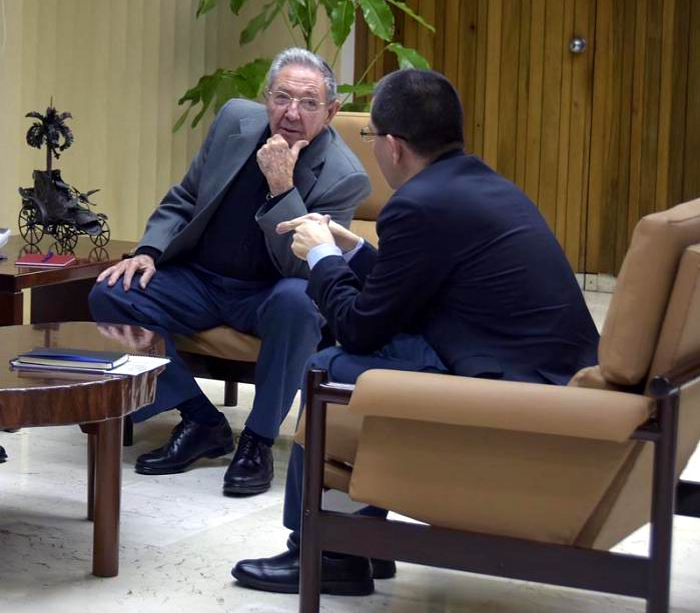 Raul Castro Meets with Venezuelan Foreign Minister