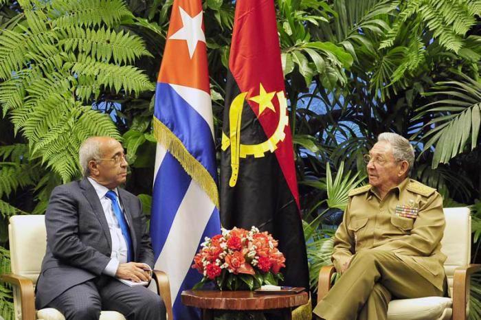 Recibió Raúl al Ministro de Defensa Nacional de Angola