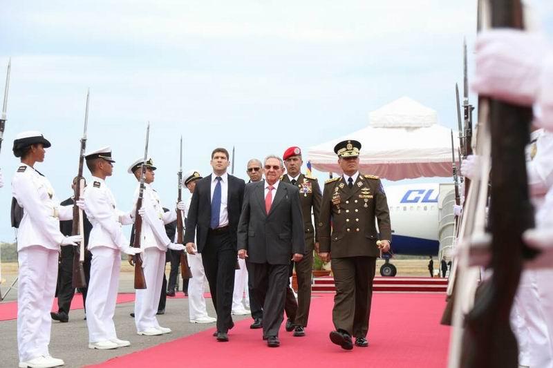 Raúl Castro llega a Venezuela para XV Cumbre del Alba-TCP (+Audio)