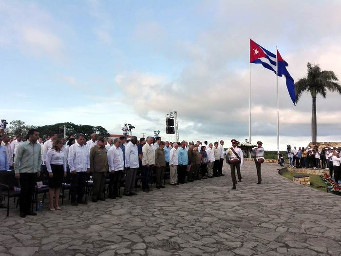 Raúl and Díaz-Canel preside Cuban commemoration act on the 150th anniversary of the fights for independence (+Photos)