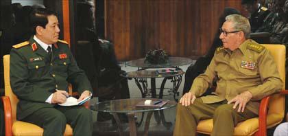 Recibió Raúl al Jefe de la Dirección General de Política del Ejército Popular de Vietnam