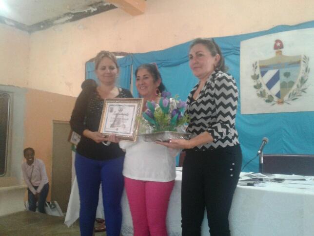 Reconocen a entidades destacadas en Mayabeque