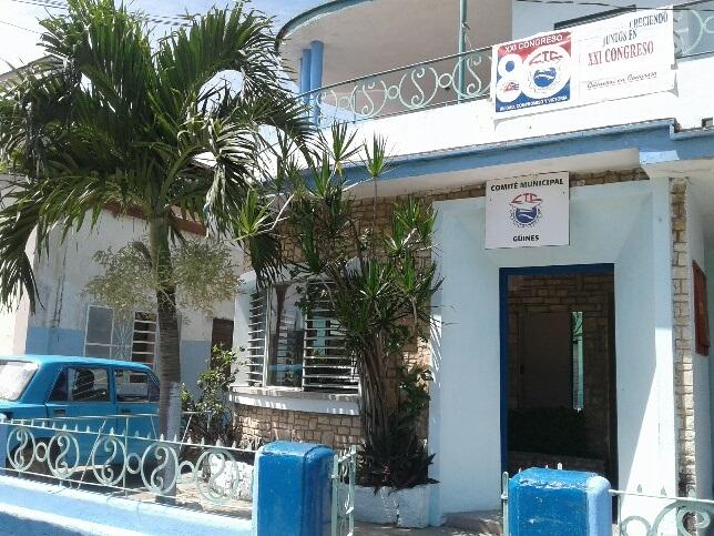 Placa XXI Congreso de la CTC para entidades de Mayabeque