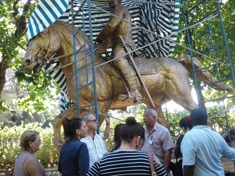 Autoridades del Partido y el Gobierno recorren obras en La Habana