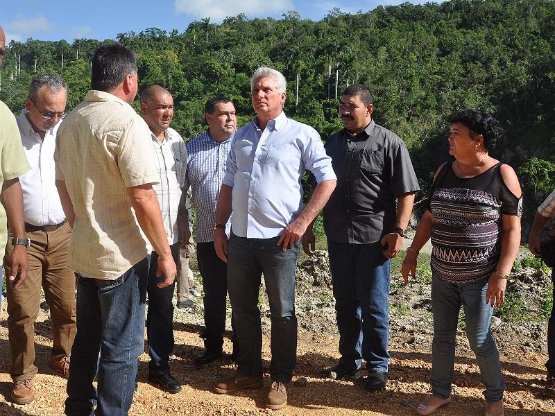 Dirección colectiva e intercambio con el pueblo en la visita del presidente a Ciego