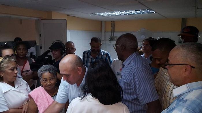 Bajo control fuego en hospital oncológico capitalino