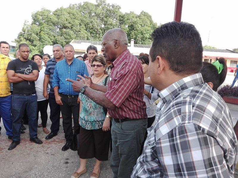 Salvador Valdés Mesa en visita de trabajo a Granma