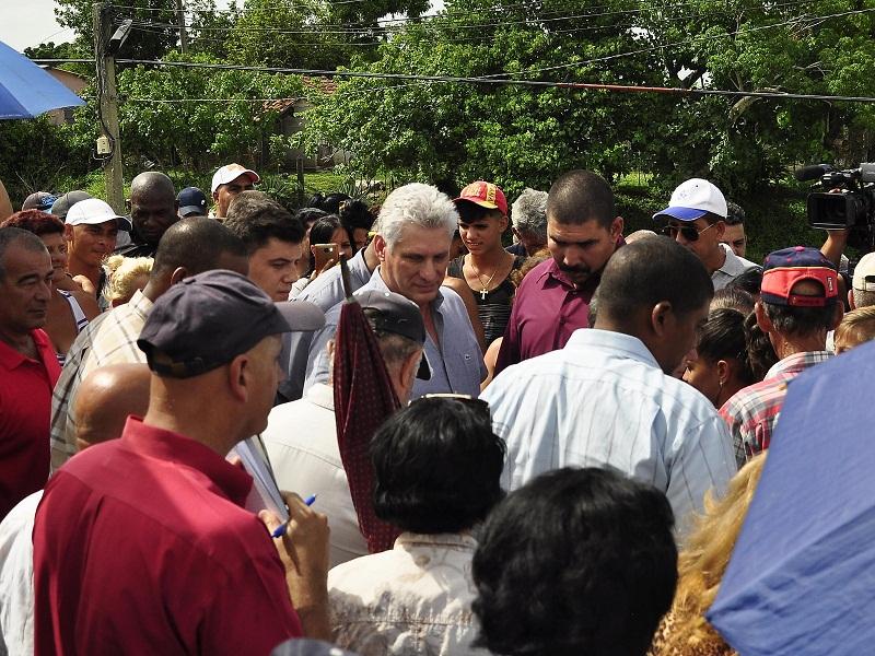 Díaz-Canel constata avances en recuperación de Sancti Spíritus