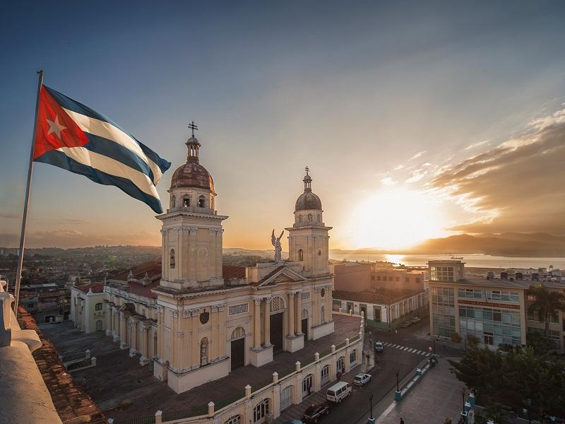 Los problemas de los cubanos se resuelven entre cubanos