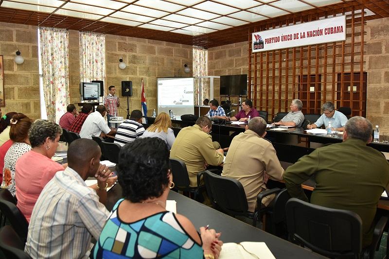 Destaca Díaz-Canel impacto de las escuelas pedagógicas cubanas