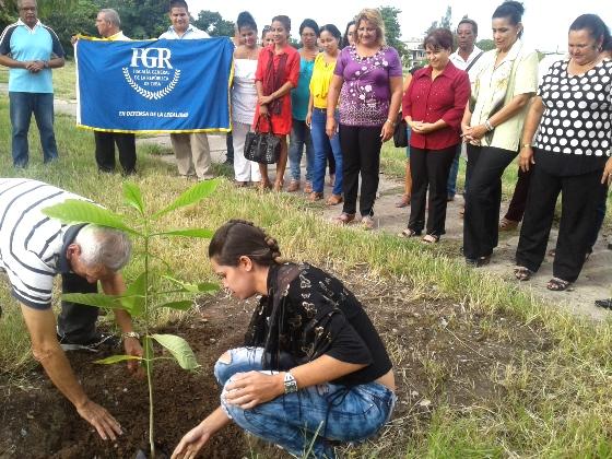 Siembran árbol Jagua, por 200 Aniversario de Cienfuegos y 45 de la Fiscalía