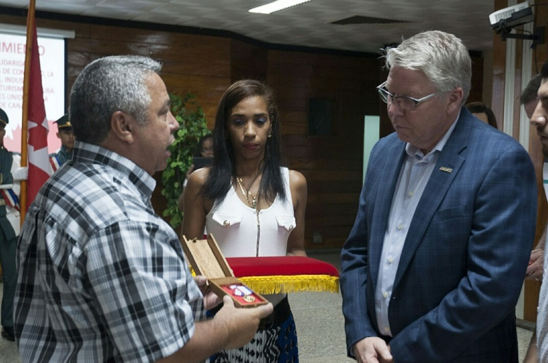 Sindicalistas de Cuba y Canadá celebran lazos de amistad