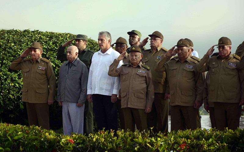 Preside Raúl homenaje a combatientes del III Frente (+Fotos y Audio)