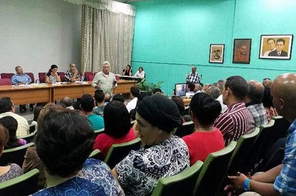 Asiste Díaz-Canel a discusión del Proyecto de Constitución en la Universidad Hermanos Saíz . Foto: Belkys Pérez Cruz