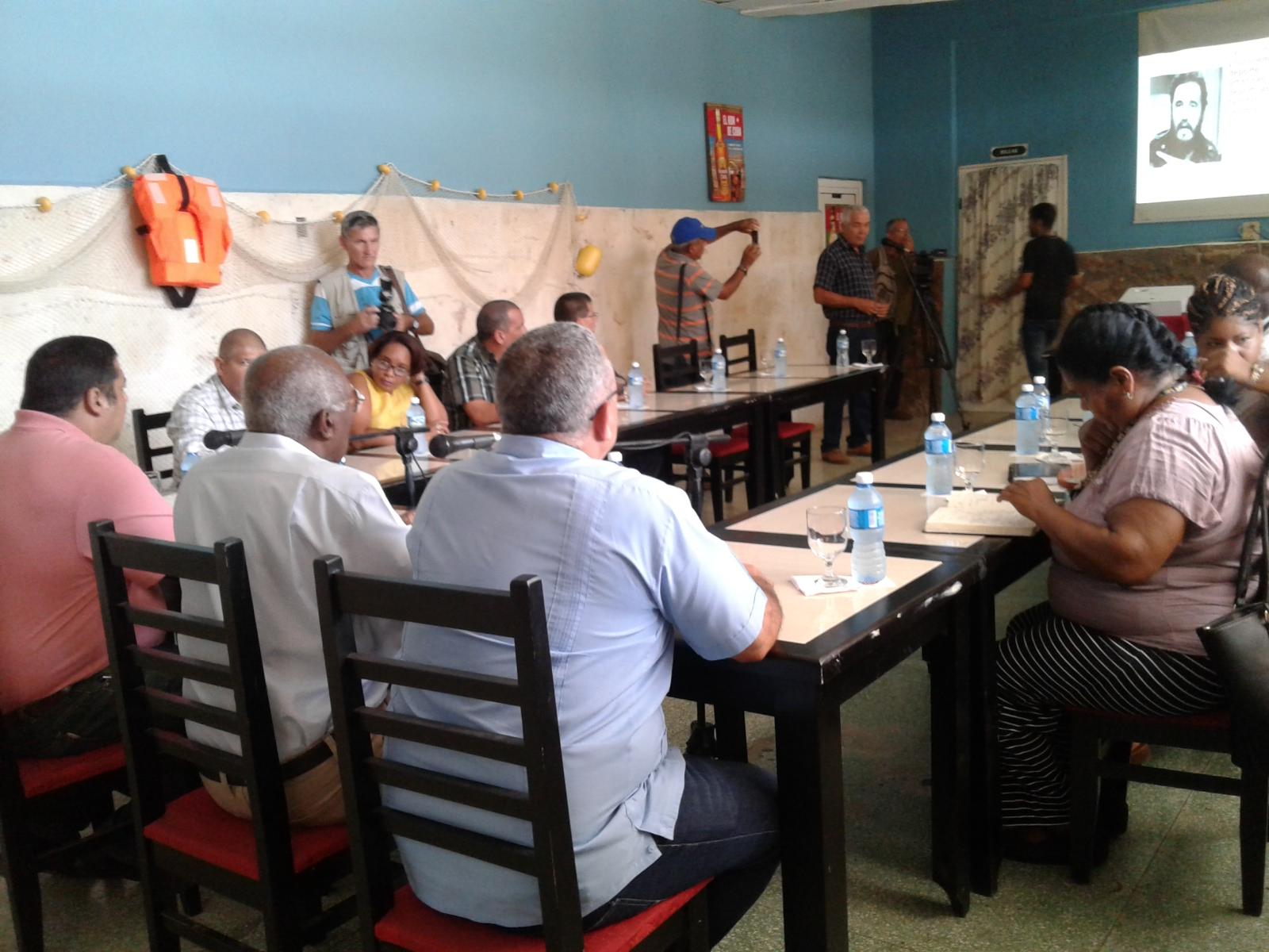Evalúa Salvador Valdés Mesa labor de los círculos sociales de La Habana.