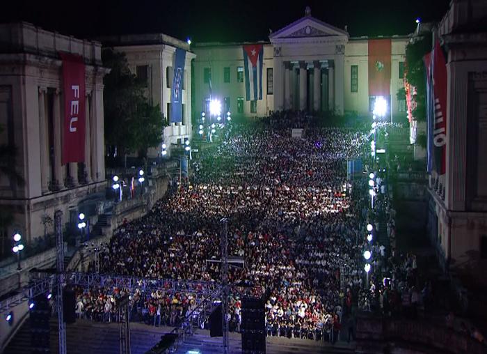 Jóvenes cubanos rindieron tributo de recordación a Fidel