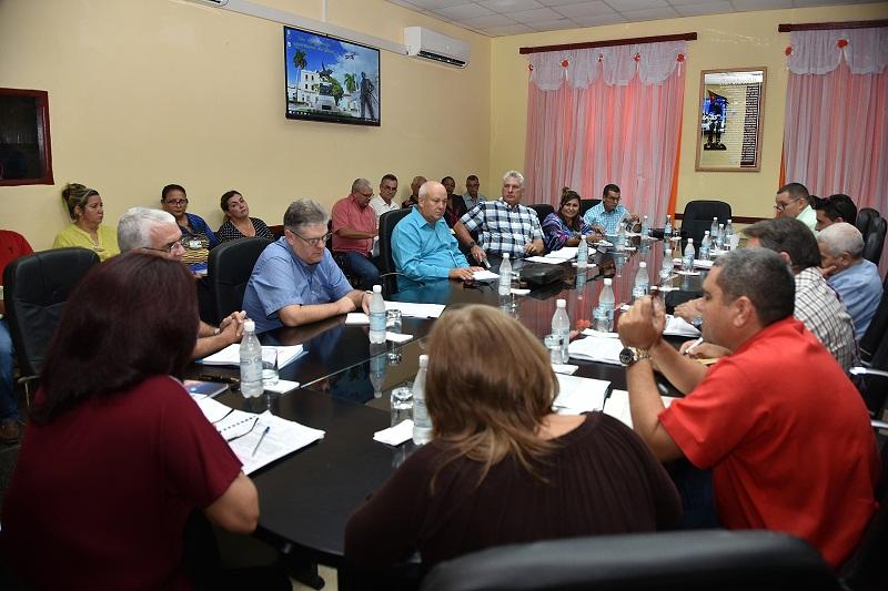 Evalúan en Camagüey temas cardinales de la economía