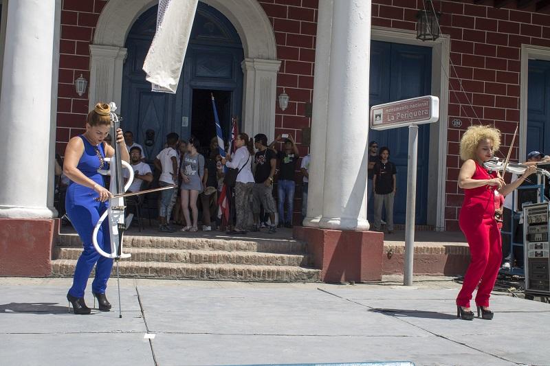 Las muchachas de Accordo regalaron su versión del Himno de la Alegría, marcha identitatria de las Romerías de Mayo