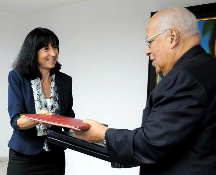 Firman Cuba y Suiza Acuerdo de Regularizaci�n de la deuda bilateral