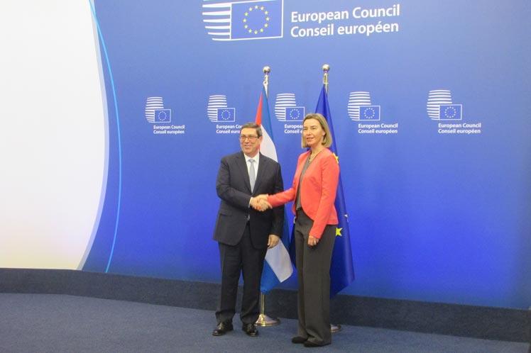 Bruno Rodríguez, ministro de Asuntos Exteriores de Cuba, y Federica Mogherini, Alta Representante de Asuntos Exteriores de la UE.