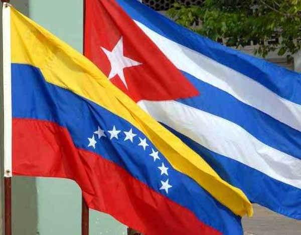 Envía Raúl Castro mensaje a Nicolás Maduro