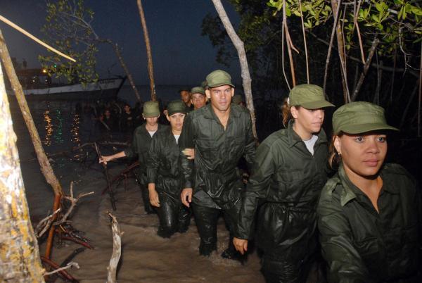 Jóvenes cubanos reeditarán desembarco del yate Granma