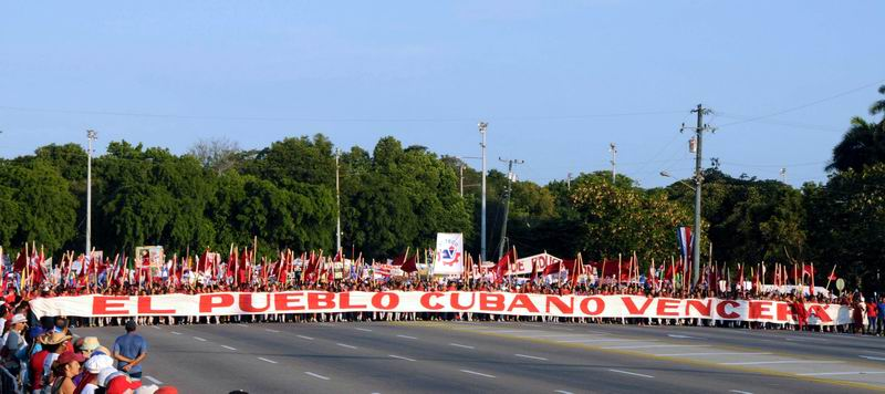Desfile en nuestra Cuba de unidad y compromiso