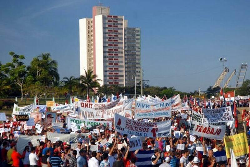 En Holguín desfile por el 1ro. de Mayo