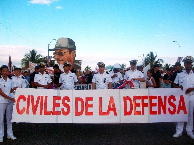 Trabajadores Civiles de la Defensa por desfile histórico el Primero de Mayo. Foto: Mireya Ojeda