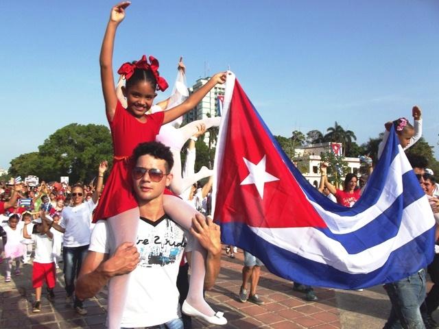 Desfile infantil en Camagüey saluda el Día Internacional de los Trabajadores (+ Audio)