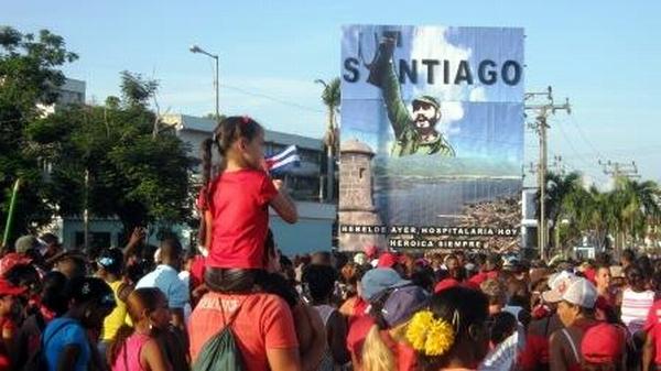 Masivo, combativo y alegre el Primero de Mayo en Santiago de Cuba. Foto: Carlos Sanabia