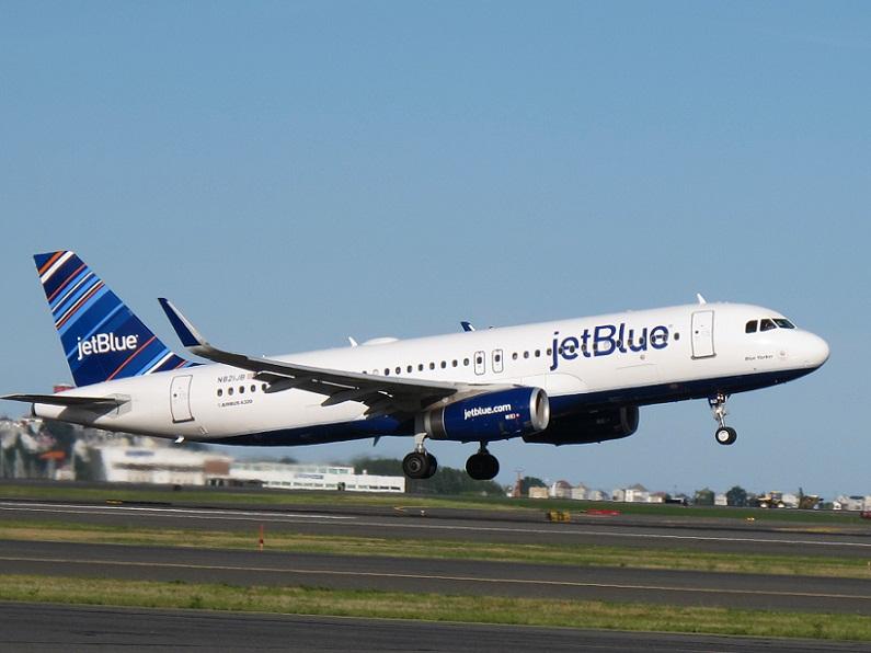 Cuba-EEUU: JetBlue reinicia vuelos regulares pero persiste el bloqueo