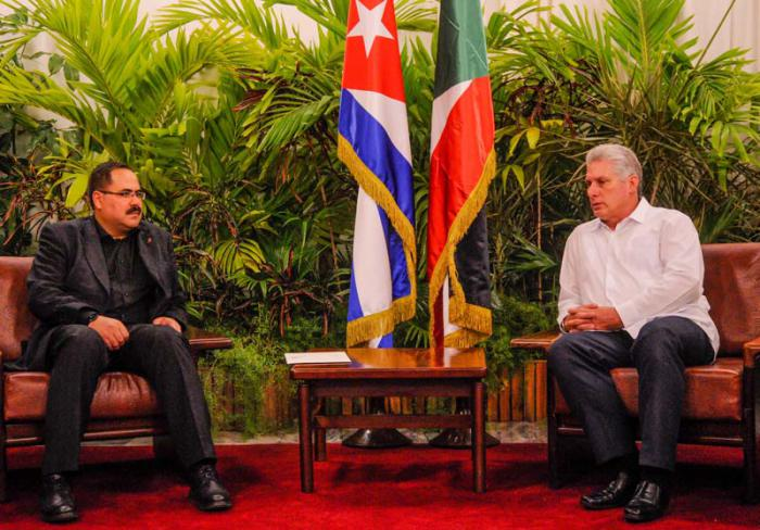 Cuban First VP receives Palestinian leader