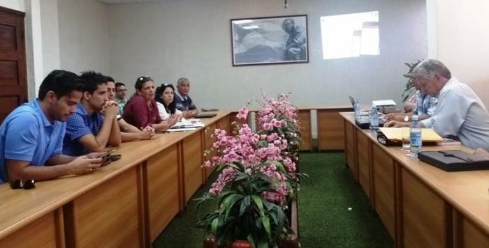 Durante el encuentro, Díaz-Canel reconoció el potencial científico de los estudiantes y profesores de la Universidad Central. Foto: Ángel Freddy Pérez Cabrera