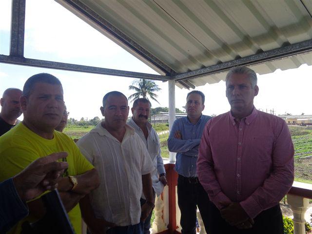 Sostiene primer vicepresidente cubano intercambio con electores